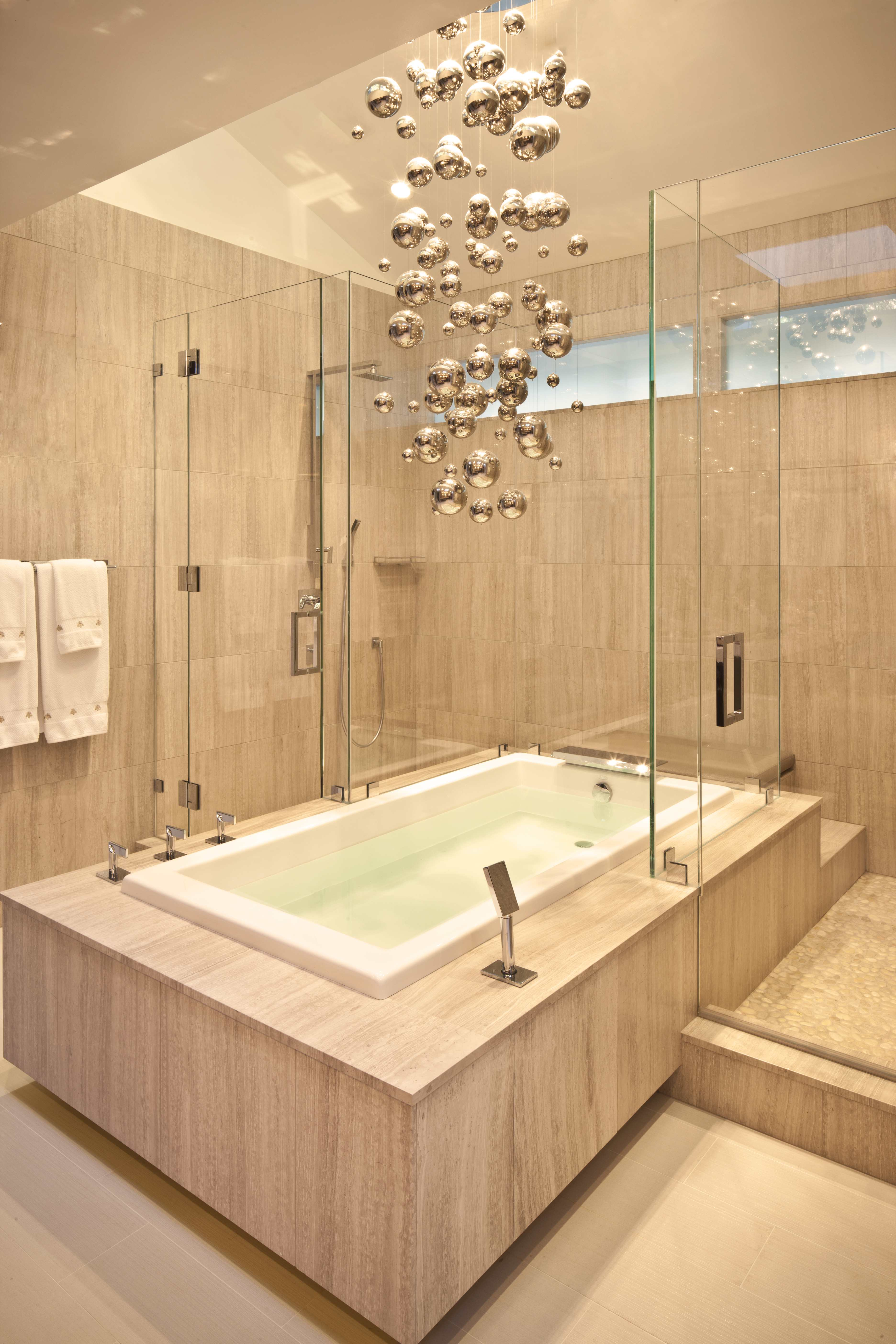 Lighting design ideas to decorate bathrooms lighting stores for Bathroom ideas with tub