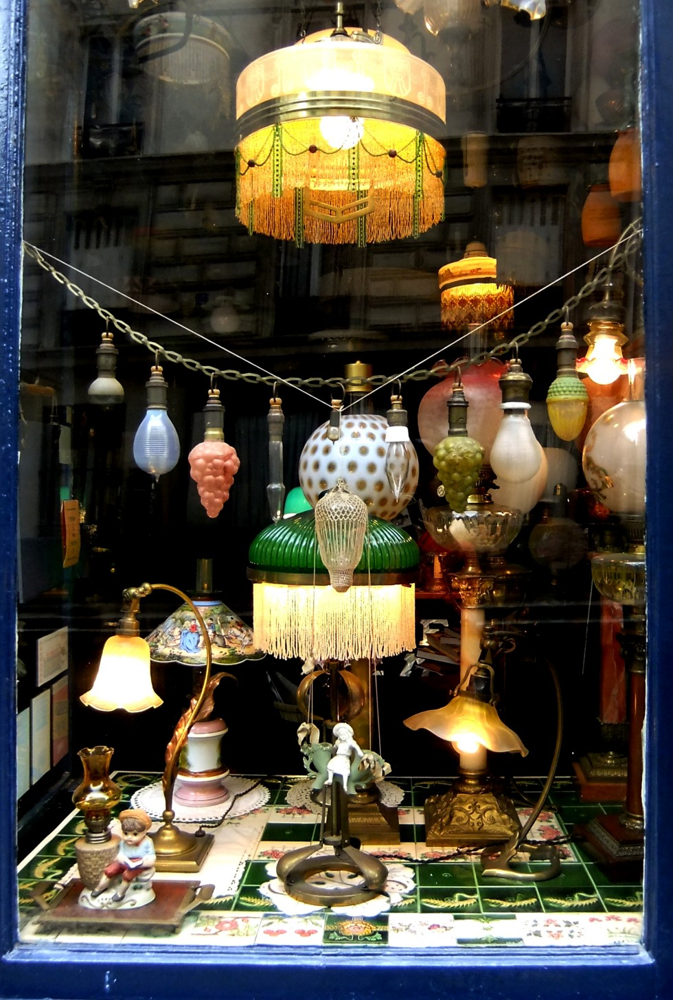 The best lighting design stores in Paris arlumiere paris The best lighting design stores in Paris The best lighting design stores in Paris arlumiere e1457461814159