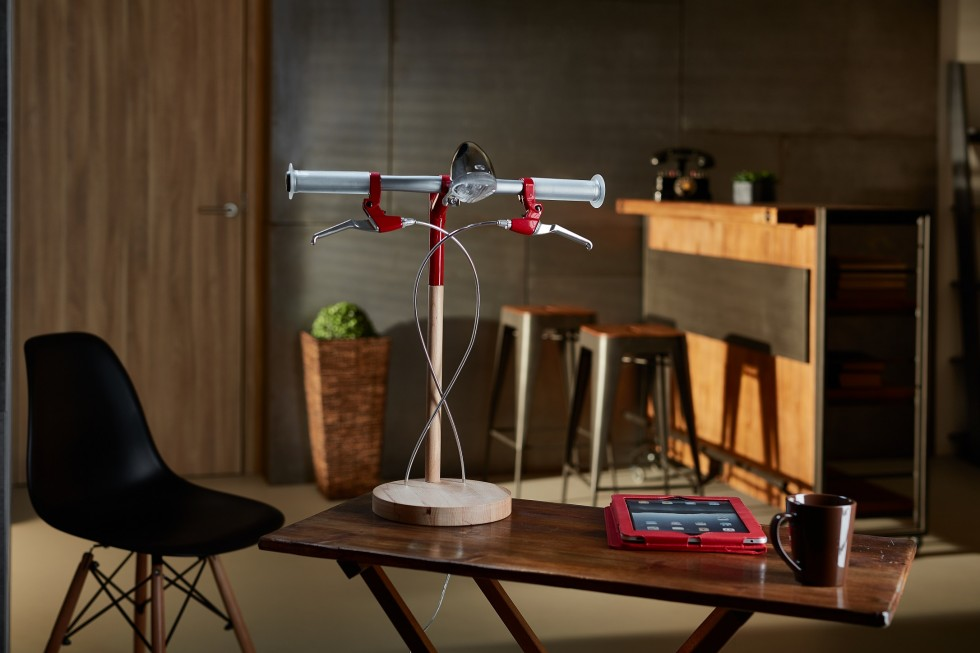 Find Bike desk lamp by Industrial Kid red desk lamp Find Bike desk lamp by Industrial Kid Find Bike desk lamp by Industrial Kid red 2 e1462271949777